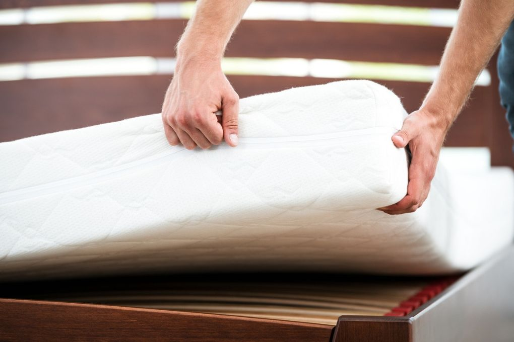 How to Fix a Squeaky Bed and Get a Good Night's Sleep - Shhilent